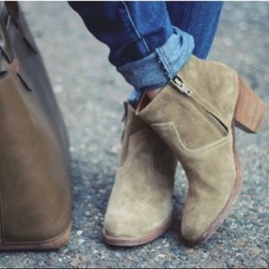 Madewell 1937 suede zip up ankle barn boots
